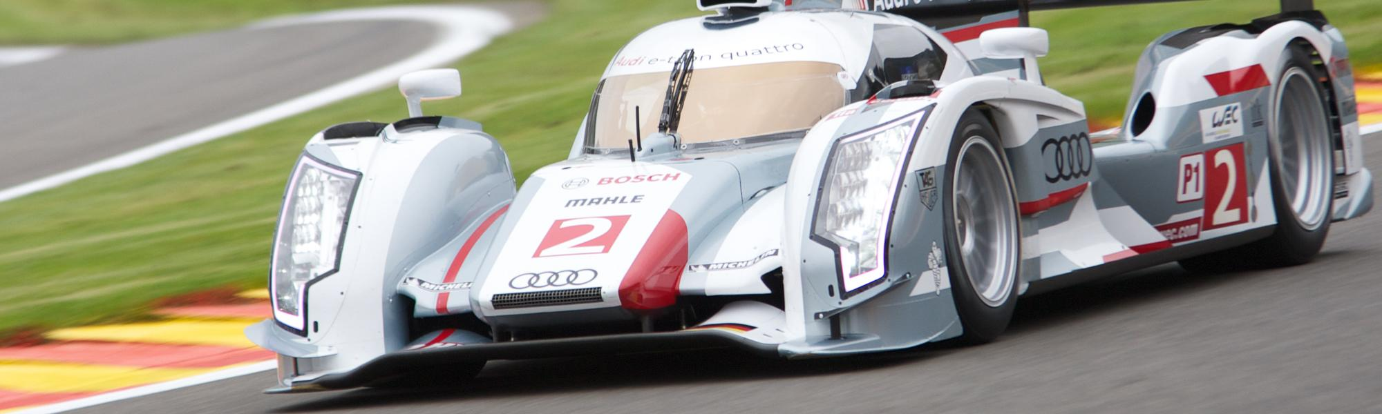 Kunststoff und Carbon Teile Motorsport
