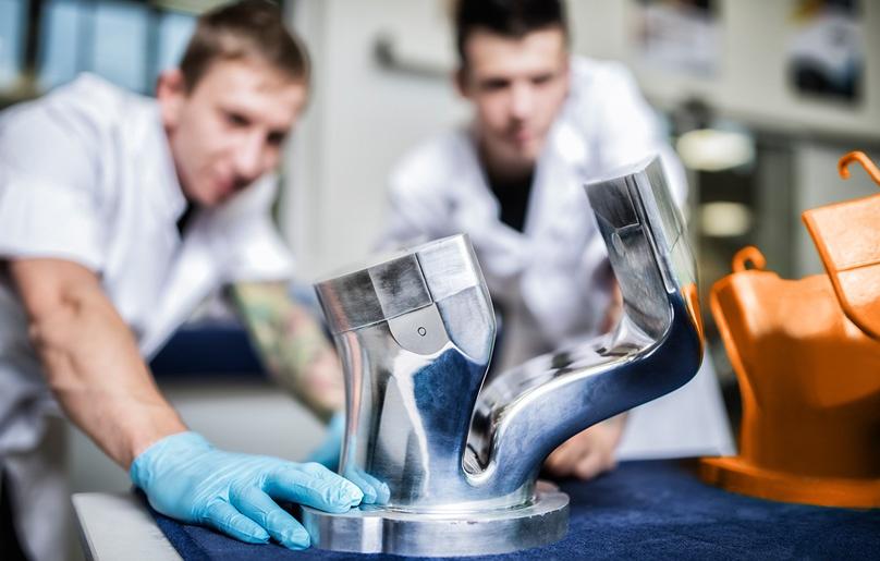 Carbon Prototypen Werkzeugbau Kleinserien CFK Herstellung.jpg