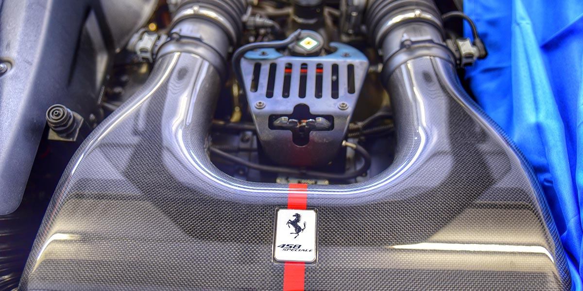 Carbon Ferrari Motorsport CFK Veredelung.jpg