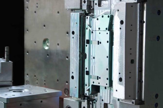 Stahlwerkzeug-Spritzguss