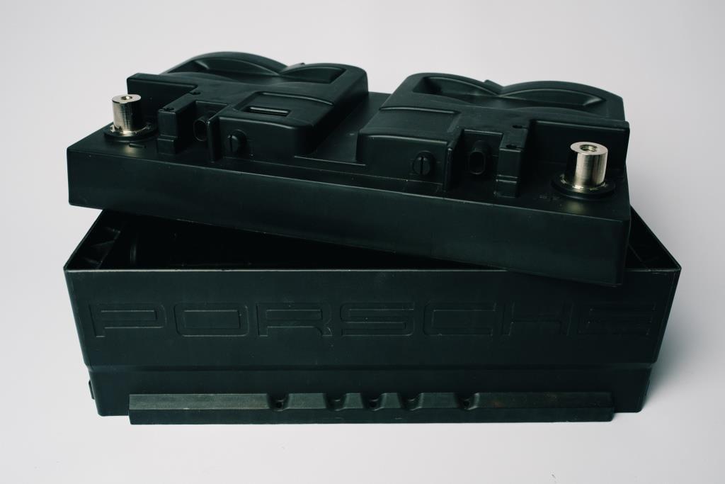 Autobatterie Kunststoff