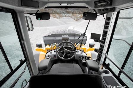 Fahrerkabinen der Zukunft – mit Kunststoffteilen das Wohlbefinden steigern